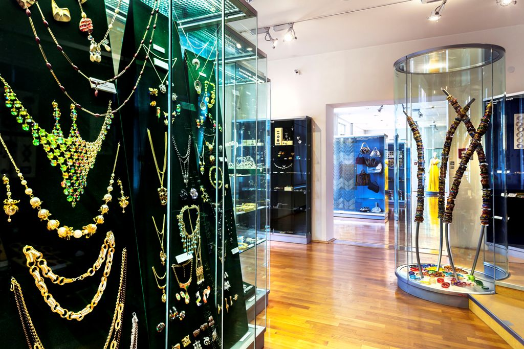 Museum of Glass and Jewellery in Jablonec nad Nisou - Museums and ... 842045450b